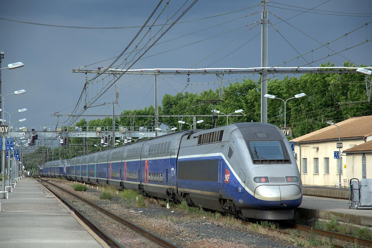 trains grande vitesse tgv 701 749 760 777. Black Bedroom Furniture Sets. Home Design Ideas